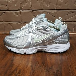 Sin aliento Bailarín actividad  Nike Shoes | Nike Air Vitality Walk Walking Shoes Size | Poshmark